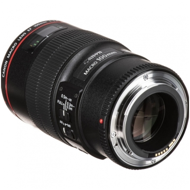 Canon EF 100mm f2.8 L Macro IS USM 3