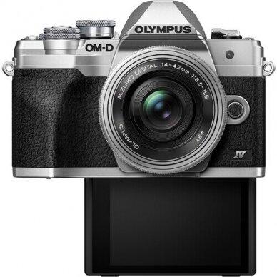 Olympus OM-D E-M10 Mark IV 2