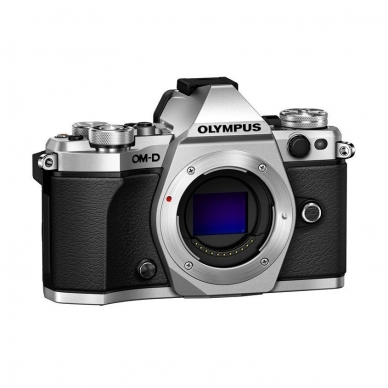Olympus E-M5 Mark III 8