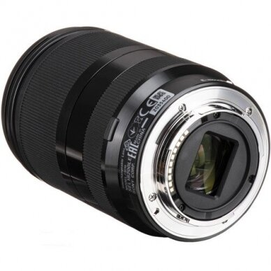 Sony 18-200mm f3.5-6.3 OSS LE 2