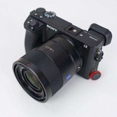 """Sony E 24mm f1.8 """"Sonnar"""" T* ZA 4"""