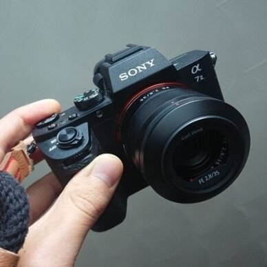 Sony FE 35mm f2.8 ZA Zeiss Sonnar T* 4