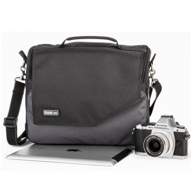 Think Tank Mirrorless Mover 30i