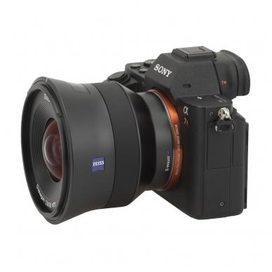 Zeiss Batis 18mm f2.8 4