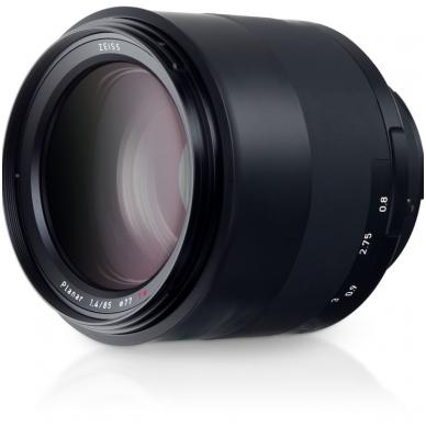 ZEISS Milvus 85mm f1.4 3